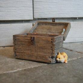 ガーデンオブジェ ピッコロ 猫とネズミ かくれんぼ 82753【東洋石創 エクステリア インテリア 庭 置物 雑貨 オーナメント ミニチュア 小箱 小物入れ ネコ cat ねずみ mouse】