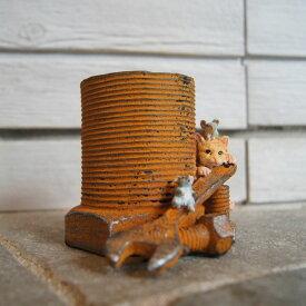 ガーデンオブジェ ピッコロ 猫とネズミとモンキーレンチ 82757【東洋石創 エクステリア インテリア 庭 置物 雑貨 オーナメント ミニチュア 小箱 小物入れ ネコ cat ねずみ mouse ボルト】