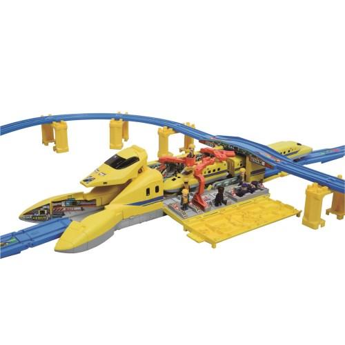 【送料無料】プラレール 基地に変形!!超ビッグドクターイエローセット おもちゃ こども 子供 男の子 電車 3歳