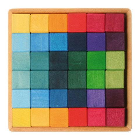 Grimm's Spiel & Holz Design グリムス社 にじのキューブ カラーキューブ 小 36p〜ドイツ・グリムス社の色彩豊かな立方体の積み木36ピースセットです。シュタイナー教育に基づいた知育積み木としておすすめです。