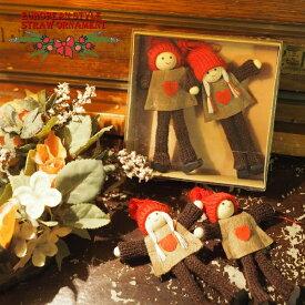クリスマス 木製&コットンオーナメント 赤い帽子の男の子 女の子セット まるでヨーロッパの片田舎のよう。。落ち着いた雰囲気のクリスマスを演出する、ヨーロピアン・カントリー・スタイルの、お洒落な手作りのクリスマスオーナメントです。