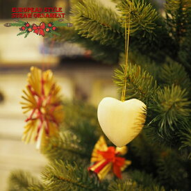 クリスマス 木製オーナメント 手彫りの白木ハート まるでヨーロッパの片田舎のよう。。落ち着いた雰囲気のクリスマスを演出する、ヨーロピアン・カントリー・スタイルの、お洒落な手作りのクリスマスオーナメントです。