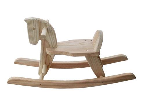 木遊舎 スギ木馬 組み立てキット〜スギ材木馬の簡単な組み立てキットです。組み立てマニュアルも付いています。【ラッピング不可】【代引き決済不可】
