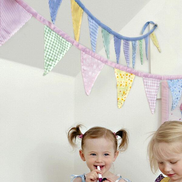 [メール便可] Oskar&Ellen オスカー&エレン社 バンティング (ブルー/ピンク/グレー/グリーン)〜北欧スウェーデンのファブリック・トイ・メーカーOskar&Ellenの子供部屋のインテリアにピッタリなパステルカラーのフラッグガーランドです。