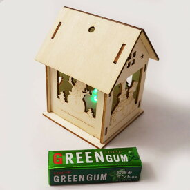 クリスマス手作り工作キット 木のお絵かきスノーマンのおうち 点滅灯付き / 動画有