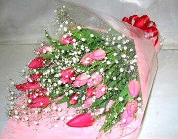 【デラックス】 チューリップとかすみそうの花束 送料無料ギフトです!!