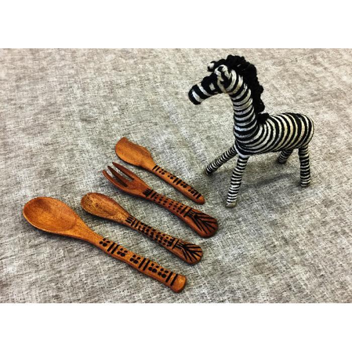 【ふるさと納税】「フェアトレード」手彫りの木製カトラリーセット&ジュートのしまうま