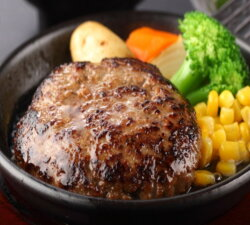 静岡育ちステーキハンバーグデミグラスソース付き
