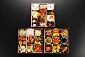 【ふるさと納税】日本料理てら岡・おせち/博多『雅』参段重+博多水炊きセット.H023