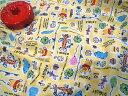 【送料無料対象ハギレ】08▲約95cmハギレ ディズニー くまのプーさん2015 おえかき柄 黄色地 シーチング プーさ…