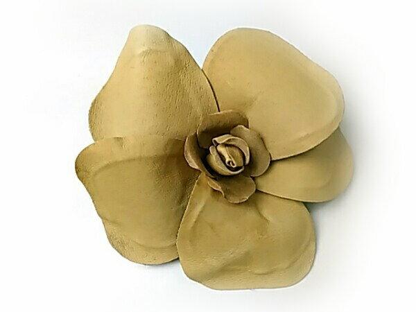 コサージュ 本革の特大のバラ(ベージュ無地)R 造花
