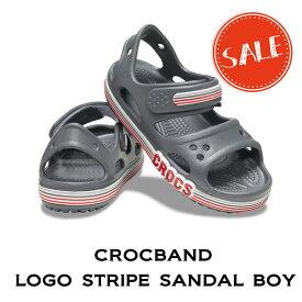 【クロックス crocs キッズ】crocband logo stripe sandal boy/クロックバンド ロゴ ストライプド サンダル ボーイ/スレートグレー