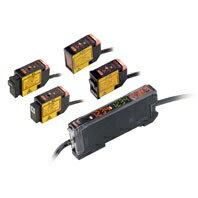 在庫品 オムロン E3C-LD11 2M デジタルアンプ分離光電センサ(レーザタイプ) センサヘッド 拡散反射形 検出距離30〜700mm 入光時ON/遮光時ON(切替式)コネクタ中継タイプ(2m) ビーム形状 スポット(可変)