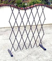 【送料無料】ワンタッチ伸縮簡易フェンススチールパイプ製お庭のアプローチや花壇の仕切りにガレージや駐車場のバリケードにつるバラのトレリスフェンスにも使い方は色々!日本製