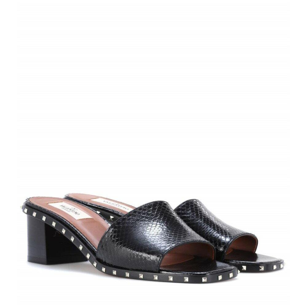 ヴァレンティノ レディース シューズ・靴 サンダル・ミュール【Valentino Garavani Soul Rockstud snakeskin sandals】BLACK