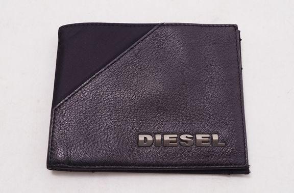 【11月18日に値下げ】DIESEL ディーゼル レザー切り替えナイロンウォレット 二つ折り財布【MZCA39414】【ブラック】【】【中古】【2点以上同時購入で送料無料】【DM170527】