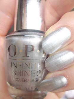 【定形外送料無料】OPI(オーピーアイ)INFINITE SHINE(インフィニット シャイン)IS L48 Silver on lce(シルバー オン アイス) opi マニキュア ネイルカラー ネイルポリッシュ セルフネイル 速乾 シルバー 銀色 パール メタリックシルバー
