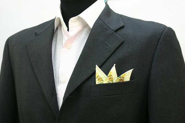 ◆【P-7】ポケットチーフ 挿すだけ 台紙 フィックスポン スリーピークス【イエロー】【花柄】 スーツにin!簡単型崩れ防止!ホルダー(チーフフォルダー)とチーフが一体に!fixpon 冠婚 送別 卒業式 入学式 入社式 結婚式