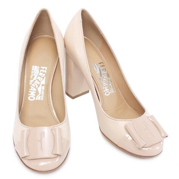 サルヴァトーレ フェラガモ Salvatore Ferragamo 靴 レディース ロゴプレート付き パンプス ベージュ (PATRECE 0566800 BE)