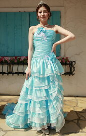03b9731445f85 ... 品よく甘さを引き出したエレガントな一着。ボリュームたっぷりのスカートはトレーンも長くてバックスタイルも完璧。お色直し、二次会用ドレス としてお勧めです。