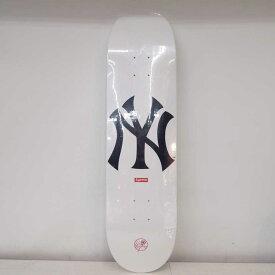 Supreme×New York Yankees×'47 Brand(シュプリーム×ニューヨークヤンキース×フォーティーセブンブランド) Skateboard スケートボードデッキ カラー:ホワイト【中古】【126 ストリート】【鈴鹿 併売品】【126-200703-02OS】