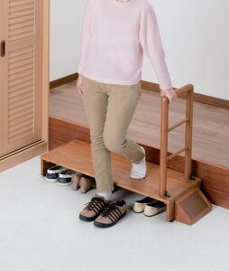 5374493  木製 手すり 付き 玄関 踏み台 <70cm幅>手すり付きで安心!玄関での段差の昇り降りが楽々プレゼント  ヘルプ  介護  両親
