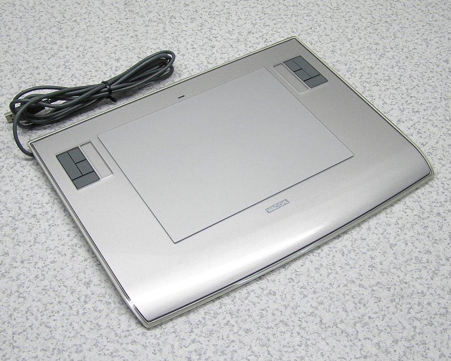 □■WACOM/ワコム A5サイズペンタブレット Intuos3 PTZ-630/S 本体のみ 動作良好 【中古】