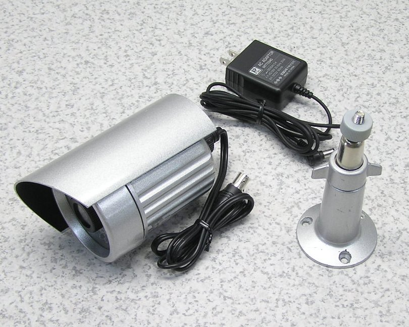 □■通販NET NTSC方式赤外線機能付き Day&NightカラーCCDカメラ SA-49067 オールアルミボディ アダプタ・フィクサー付き 【中古】