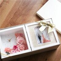 【名入れ】プリザーブドフラワー結婚祝い花時計両親名入れ還暦祝い女性母誕生日記念日祝い(フォトフレーム)(時計付き)|プレゼント結婚式写真立てメッセージ入りブリザードフラワー花置時計プリザードフラワー写真たてブリザ-ブドフラワー記念写真立て