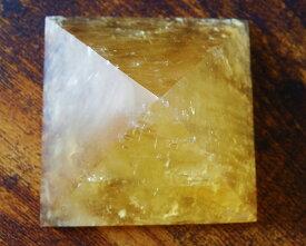 ピラミッド ゴールデンカルサイト ハニーカルサイト 天然石 パワーストーン 置物【送料無料】