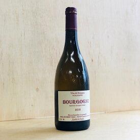 【フランス ブルゴーニュ地方 白】2018ブルゴーニュ ブラン/ドメーヌ・ジョベール(品種:シャルドネ)粘性のある輝くイエローゴールド色から、フレッシュ青りんご、ナッツや瑞々しい野生のハーブのアロマが拡がります。