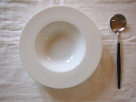 白い食器 シンプル スープボウル 22cm 人気スープ皿 お家カフェ スープカップ インスタグラム【SALE/fucca カフェ レストラン インスタグラマー】