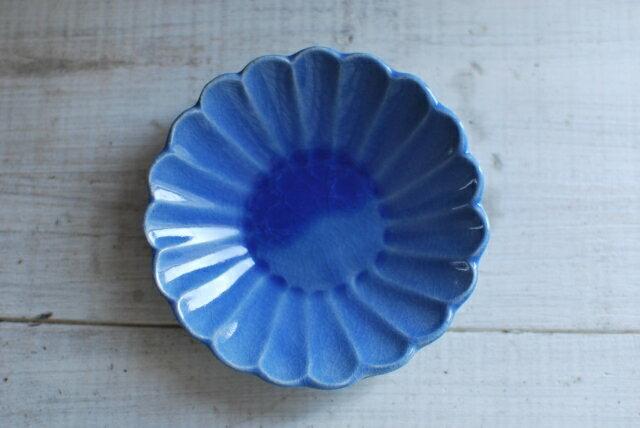 手作り食器 輪花深小皿 マーガレットのお皿 12cm ブルー  花型プレート 美濃焼 【セール 人気食器 お花皿 美濃焼 インスタグラム】