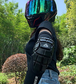 エルボーガード アームカバー 肘用バイクプロテクター 左右セット ひじプロテクター ひんやり生地 指穴付き 男女兼用 夏 送料無料 メンズ レディース用