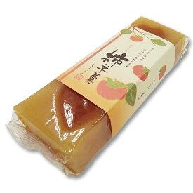 【柿羊かん】4994340101557    味はとても控えめで、さっぱりした口どけです。とろりとした柿がスライスされています。