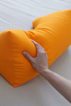 王様のくつろぎ枕48×25×24cm【cushionクッション】