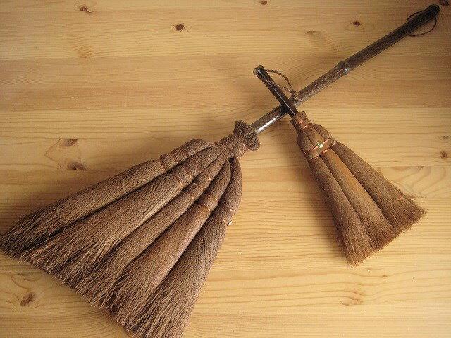 和歌山・海南市・伝統手工芸品/棕櫚(シュロ)手ほうきM + 手ほうきL/棕櫚(シュロ)箒2点数量限定セットアレルギー対策|掃除|エコ|特価|シュロほうき|棕櫚ほうき|シュロ たわし|伝統工芸品|箒|ホウキ|束子|職人|手作り【RCP】10P13Dec13