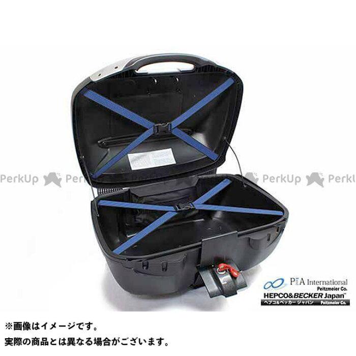 ケース内部には荷物押さえのベルトを装備。