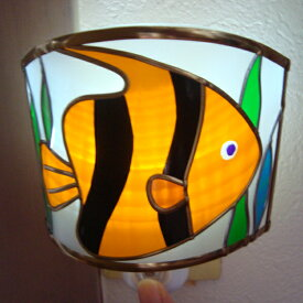 熱帯魚の足元ランプ 照明 おやすみライト ナイトランプ かわいい足元ライト LEDフットライト LEDセンサーライト ステンドグラスの彩り グラスアート 送料無料