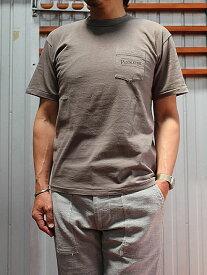 PENDLETON(ペンドルトン)【SALE】 ENTRY SGコラボ ROUTE66 Tシャツ Bronze Grey Japan Fit  ポケットつきTシャツ