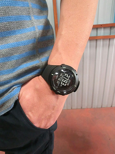 SUUNTO スント国内正規品 Core Ultimate Black コア アルティメットブラック 男性腕時計 アウトドア時計 【送料無料】【あす楽対応】