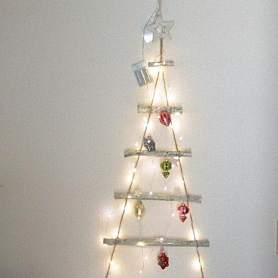 クリスマス ウッド&LEDラダー LEDライトガーランド ホワイト 高さ1m ガラスオーナメント12ケ&使用乾電池のオマケ付き
