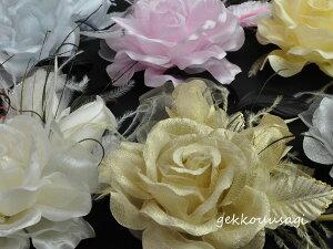 【同梱可能】【あす楽】華やかローズと蕾がかわいい羽つきコサージュ 白・黒・赤・ピンクなど色とりどりの10色 結婚式 二次会 卒業式 入学式 フォーマル ウェディング ブライダル お呼ば