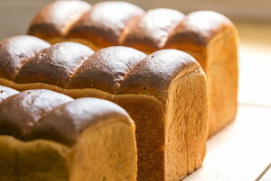 自然解凍でいつでも焼きたて!!ふっくら玄米食ぱん【1斤2個セット】贅沢な原料で焼き上げた食パンです。おきかえ 食パン プレゼント 贈り物 玄米パン 添加物不使用 伊佐米使用