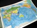 表面PP加工THE WORLD(英語版世界地図ポスター)水性ペンが使えます。英語表記の世界地図です。