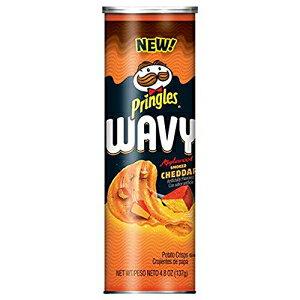 プリングルズウェーブ、ポテトチップスチップ、アップルウッドスモークチェダー、4.8オンス(2パック) Pringles Wavy, Potato Crisps Chips, Applewood Smoked Cheddar, 4.8 oz (Pack of 2)