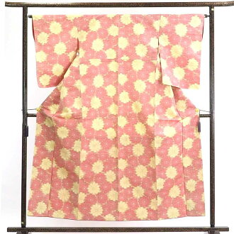 It is 30cm in width length of a kimono sleeve 56cm after recycling kimono pongee / pure silk fabrics thin yellow ground floral design lined kimono pongee kimono / Lady's dress length 157cm 裄 64cm width of body section front 23cm