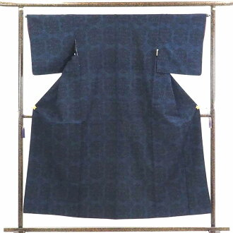 Recycling kimono pongee / 正絹黒地紺絣先染袷真綿紬着物 / Lady's