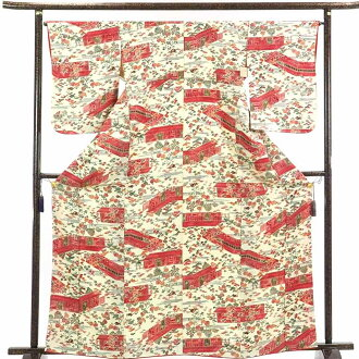 It is 28cm in width length of a kimono sleeve 56cm after recycling kimono fine pattern / pure silk fabrics thin cream place lined kimono fine pattern kimono / Lady's (old clothes recycling product fine pattern) dress length 166cm 裄 66cm width of body sec