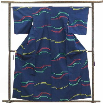 It is 30cm in width length of a kimono sleeve 49cm after recycling kimono pongee / pure silk fabrics bluish ground side step pattern lined kimono pongee kimono-free article / Lady's dress length 162cm 裄 64cm width of body section front 22.5cm